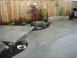 broom finish patio | Broom Finish Concrete with Banding and Cantilevered  Raised Patio .