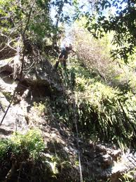 Redland Bushwalkers: 07_ Abseiling » Abseiling and Rockhopping in the bush  » pa020299.jpg