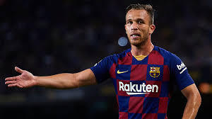 Arthur not returning to Barcelona was a surprise to everyone, says Busquets