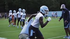Four teams play in two semifinal games, and the winner of each semifinal advances to the college. 2020 College Football Weeks Before Start Of School Year College Football Season Hangs In The Balance Amid Covid 19 Pandemic Abc11 Raleigh Durham