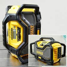 dewalt radio dcr025. as with the vast majority of power tools manufactured today, body is made a durable, impact resistant pvc. it has roll cage design that dewalt radio dcr025