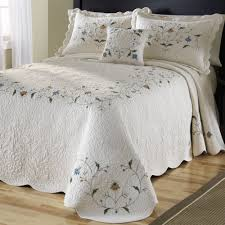 Bed & Bedding: Ivory Quilted Bedspreads With Leaves Motif For ... & Fill Your Bedroom With Breathtaking Quilted Bedspreads For Beautiful  Decoration Ideas: Ivory Quilted Bedspreads With Adamdwight.com