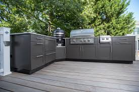 outdoor kitchen with base cabinets