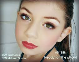 how to put makeup on your face learn how to do your daughter s dance recital
