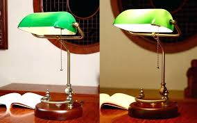 bankers desk lamp green glass shade vintage table lighting fixture cover birch wood base antique adjule cord in lamps from lights style w