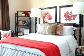 bedding color for gray walls c and brown bedspread