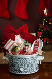 DIY Christmas Gift Baskets That Anyone Will LoveHoliday Gift Baskets Christmas