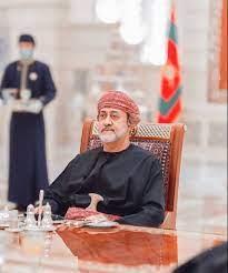 السلطان هيثم يصل الى السعودية لأول مرة منذ توليه الحكم.. - Raialkhalij