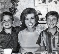 richard meeker jr. Simple Richard Mary Tyler Moore With Her Real Life Son Ritchie Meeker Left And With Richard Jr