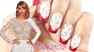 Small Picture Taylor Swift Inspired Nails The gorgeous print on her dress
