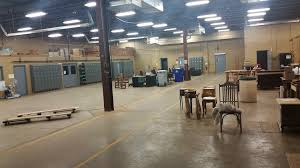 office and warehouse space. This Is A Light Industrial Manufacturing Building Comprised Of Approximately 6,000 SF Office/showroom Space And 13,000 Manufacturing/warehouse Office Warehouse D