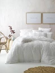 DRIFT WHITE QUILT COVER SET, MODERN CHENILLE, CONTEMPORARY BEDDING ... & FOG KING QUILT COVER SETS WHITE - linen house Adamdwight.com