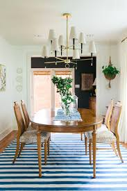 G Adding A Simple Striped Rug In An Easy Color Like Blue Is Great Way To  Update Traditional Dining Room Just Imagine The Space Shown Above Without