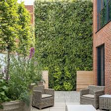 a living wall makes a dramatic vertical