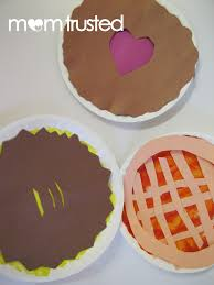 Thanksgiving Craft For Kids Paper Plate Craft Thanksgiving Pies Preschool Activities And