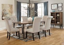 Tripton Rectangular Dining Table w6 Side Chairs