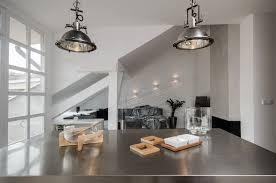 Soffitto In Legno Grigio : Una mansarda open space piena di luce