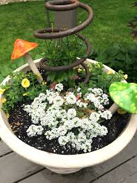 inexpensive garden junk ideas homeroad net