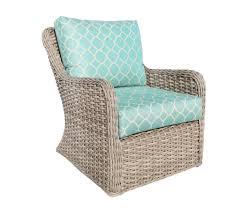 light colored wicker furniture