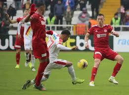 ÖZET İZLE: Sivasspor 1-0 Göztepe Maç Özeti ve Golleri İzle | Sivas Göztepe  Kaç Kaç Bitti?