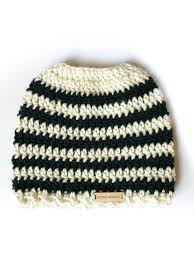 Messy Bun Beanie Pattern Stunning Messy Bun Beanie How To Convert Almost Any Hat Pattern To Fit A Bun