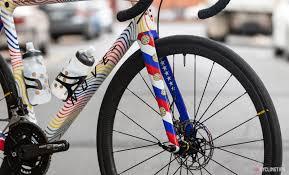 Nove Bikes Light Carbon Bikes Of The Bunch Phil Gaimons Nove Race Disc Cyclingtips