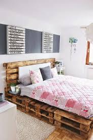Schlafzimmer Einrichten Modernes Bett Aus Paletten Palette Bett