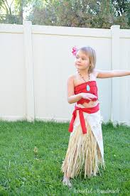 make this easy diy moana costume for or dress ups with just a few simple supplies the perfect princess costume for any little girl