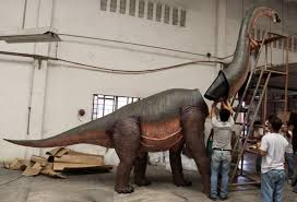 brachiosaurus size life size brachiosaurus apatosaurus dinosaur statue huge big long