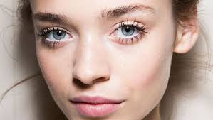 get thicker and longer eyelashes with four natural home remes