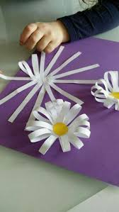 Paper Flower Crafts For Kindergarten How To Make Easy Rainbow Paper Flowers For Kids Rainbow Crafts And