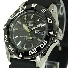 seiko 5 sports 100m automatic men s watch snzb23j2 divers rubber seiko 5 sports 100m automatic men s watch snzb23j2 divers rubber strap snzb23j2