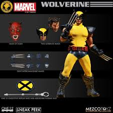 Mezco Toyz Shows of Wolverine Yellow/Blue One:12 Exclusive | Graphic Policy