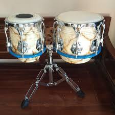 Alat musik ritmis yaitu alat musik untuk menciptakan irama (ritme) saat dimainkan, misalnya: 15 Alat Musik Ritmis Yang Sering Kita Lihat Tapi Tidak Tau Namanya