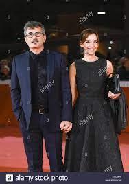 Der italienische Regisseur Paolo Genovese mit seiner Frau (Foto von Matteo  Nardone/Pacific Press Stockfotografie - Alamy