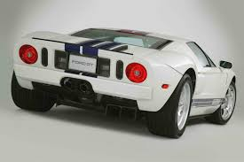 2005 - 2006 Ford GT Review - Top Speed