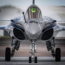Dassault Rafale | Jet fighter pilot, Dassault aviation, Airplane fighter