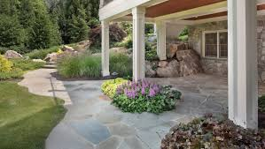 flagstone patio with custom curving edgeortared joints