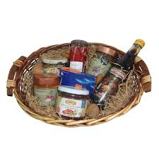 gift basket with 7 traditional greek appetizers meze nr 7