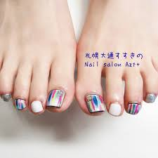 ビビットカラーの塗りかけフットネイル Nail Salon Azt