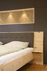 Massivholzbett Aus Zirbenholz Besonderheiten Nachttischablage Mit