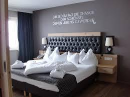 Schlafzimmer einrichten beispiele, wie sie ihr traumschlafzimmer gestalten. Schlafzimmer Unserer Suite Hotel Das Seekarhaus Obertauern Holidaycheck Salzburger Land Osterreich