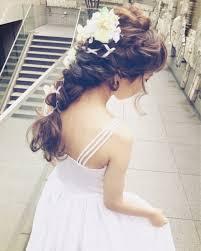 ナチュラルな雰囲気の結婚式髪型ブライダルヘアアレンジまとめ Marry