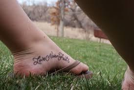 тату надписи на щиколотке для девушек 4 лучших фото