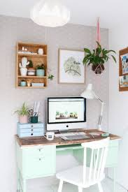 ways to decorate an office. Lovely Organizers Ways To Decorate An Office C