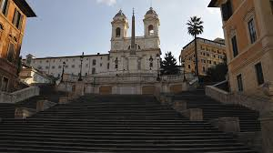 1854 liess papst pius ix sie nach der proklamation des. Spanische Treppe In Rom Polizisten Verjagen Sitzende Touristen Stern De
