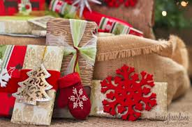 How To Give Gifts For A Large FamilyBeautiful Christmas Gift Wrap