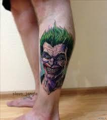 страшный клоун тату на голени у парня добавлено Slava Jangle