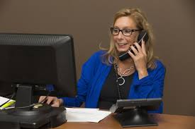 how to conduct a proper phone interview part of sound image of a businessw conducting a phone interview