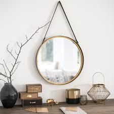 spo rotondo da appendere in metallo effetto ottone d52 su maisons du monde dai un occhiata ai nostri mobili e oggetti decorativi e fai i pieno di